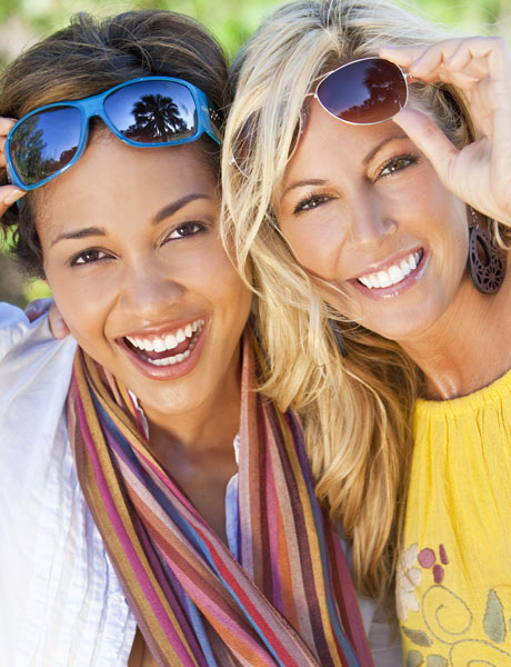 happy-women-with-veneers